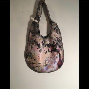 Icon Georgous handbag